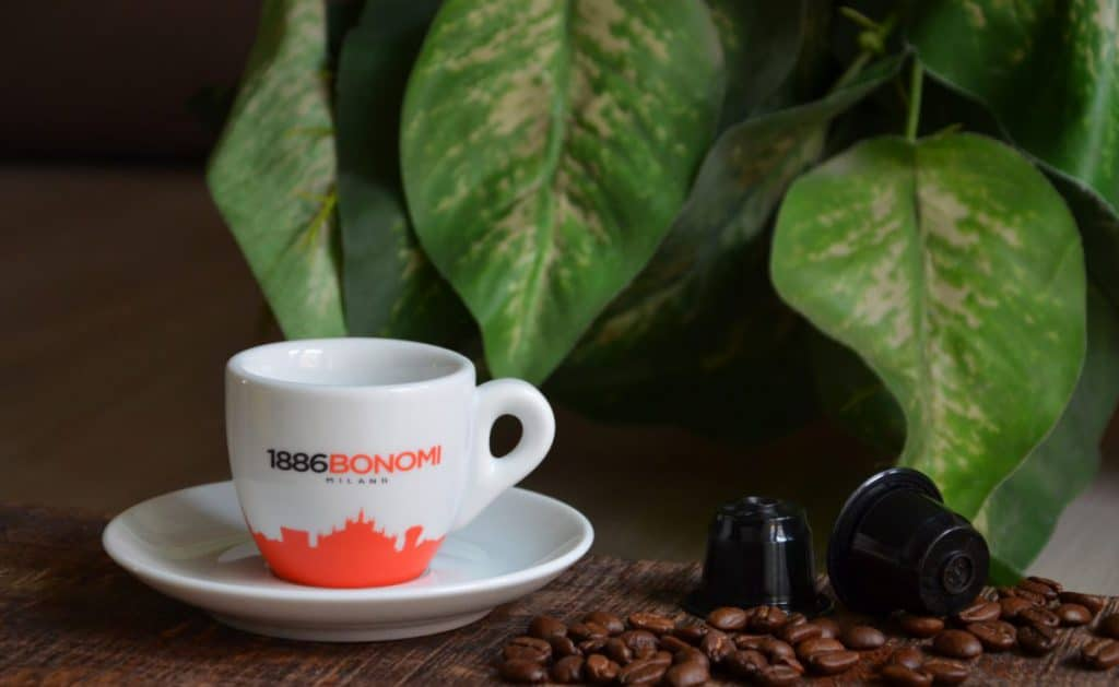 Bonomi koffiecup met Nespresso capsules